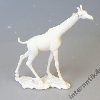 Фарфоровая статуэтка фарфор фигурка Жираф Goebel.Доставка бесплатно !