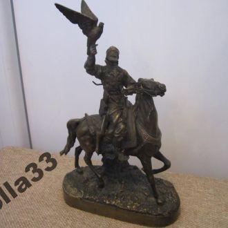 Кабинетная бронза Царский Сокольничий НапсЪ