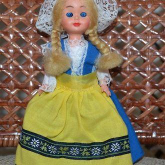 Кукла из Швеции, пластик Италия 17см