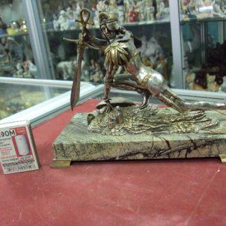 девушка воин с мечем на подставке серебро 1202 г