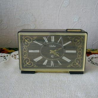 Часы будильник  СССР