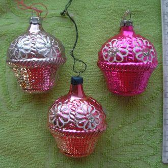 Елочная игрушка стекло СССР Корзина с цветами 3 шт