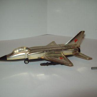 Самолет заводной времён СССР