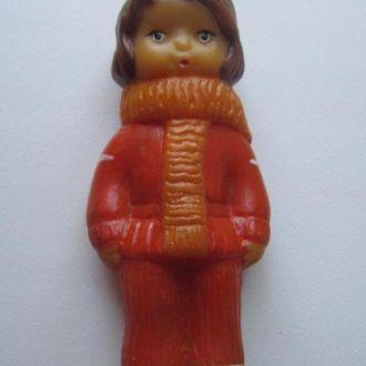 Игрушка СССР.  Малыш в шарфике. Резина.
