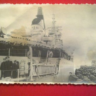 БУЛГАНИН и ХРУЩЕВ на борту крейсера ОРДЖОНИКИДЗЕ