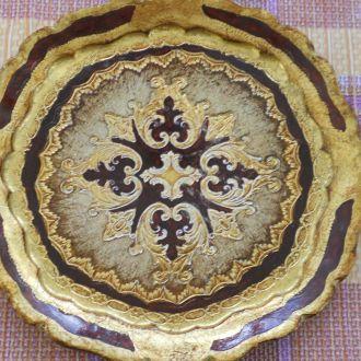 Декоративная тарелка. Дерево. Сусальное золото.