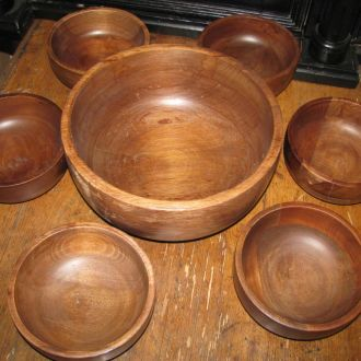 Набір тарілок , дерево ( африка ) .