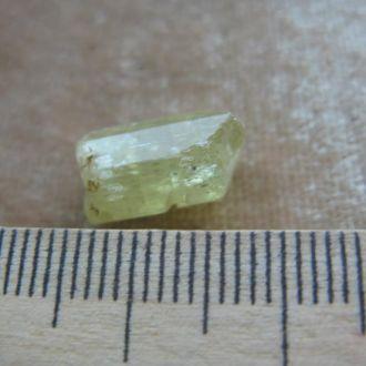 апатит зеленый кристалл Мороко. Вес 7,9кт