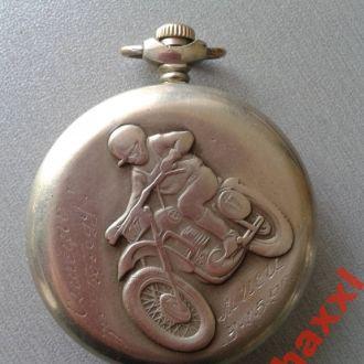 Часы Молния мотоциклист