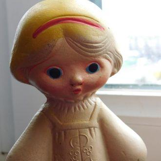 куколка резиновая с пищалкой