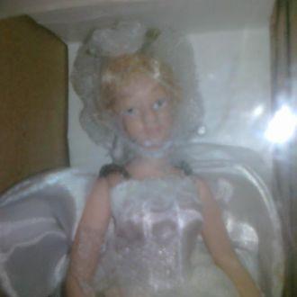 Кукла фарфоровая коллекционная.Невеста.не игранная