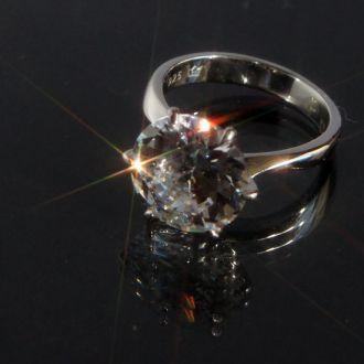 Серебряное кольцо с цирконом 925 проба Austria