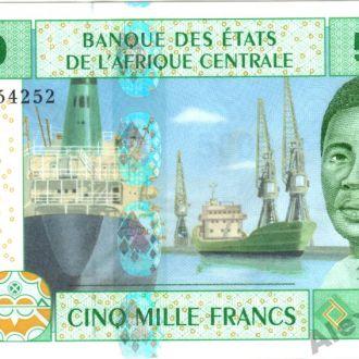 Камерун 5000 франков 2002 г. в UNC из пачки