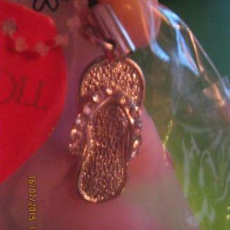 брелок подвеска на мобильный тапок шлепки камни