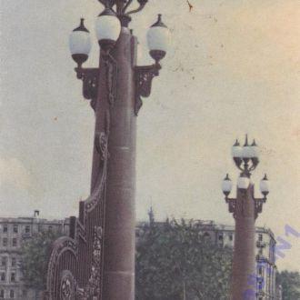 Москва. Вход в сквер на Болотной площади.