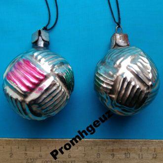 Новогодние елочные игрушки шарики фонарики.