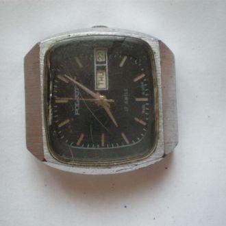 часы Полет интересная модель 0203