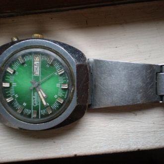 часы Слава автоподзавод большущие сохран 15061