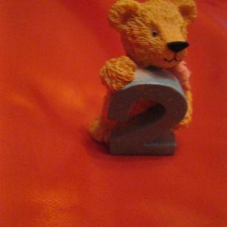мишка статуэтка сувенир цифра 2 медведь фигурка
