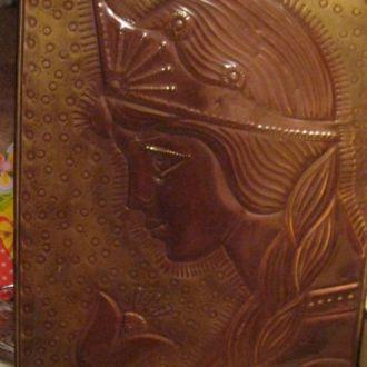 коллекционеру картина чеканка металл девушка СССР