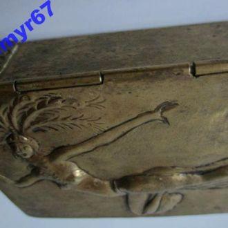 Шкатулка для сигар -папирос BENNINGHOVEN  ESSEN. в стиле Ню. сер. ХХ в. Клеймо.