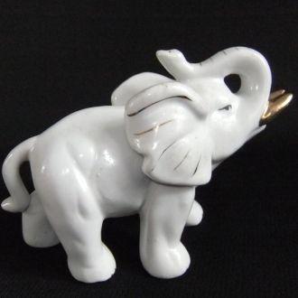 Статуэтка *Слон* фарфор, золочение.(смотрите фото)