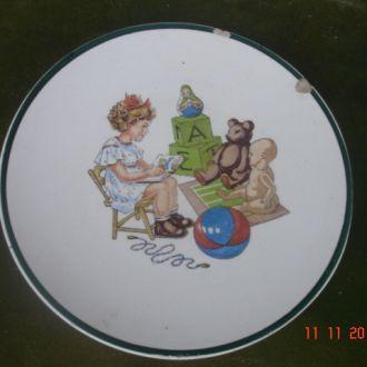 Настенная тарелка игрушки дети