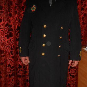 Пальто морского офицера британской армии.