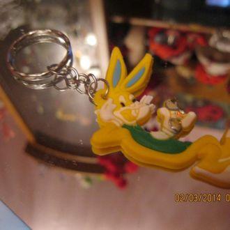 ИНТЕРЕСНО брелок на ключи кролик заяц новый желтый
