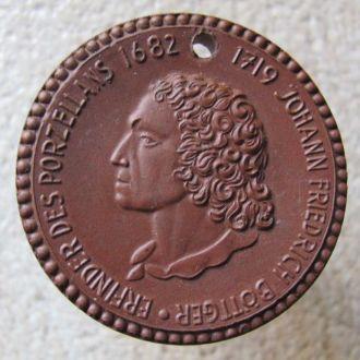 Meissen 1919 Brown Porcelain Medal Medal J F