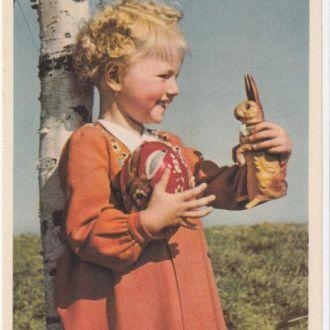 Германия пасхальная ( дети девочка игрушки)