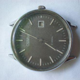 часы Слава интересная модель 18085