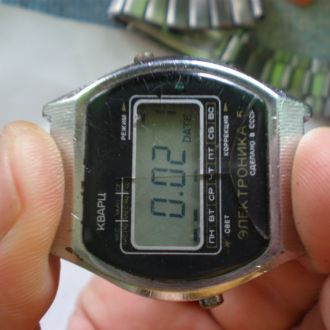 часы Электроника 5 рабочие 12052