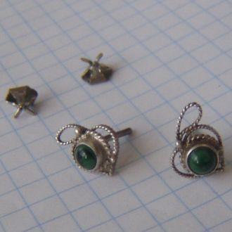 Старинные серьги-гвоздики с малахитом. Серебро.