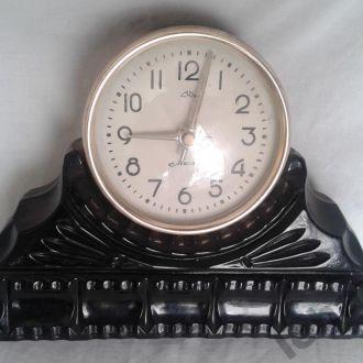 Часы настольные Маяк