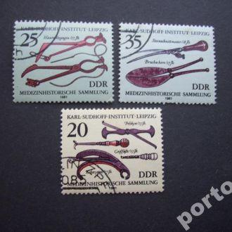 3 марки ГДР 1981  музыкальные инструменты