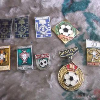 Футбол.9 значков.