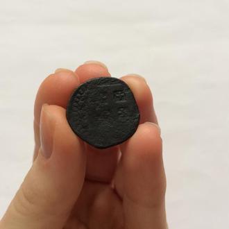 Средневековая медная монета Филиппа III 1200-х годов. Времени Крестовых походов.Иерусалимский крест.