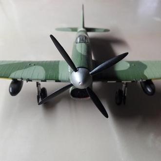Модель самолета Спитфайр 1:72