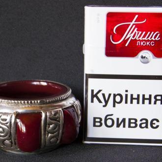 Солонка или емкость для парфюма-рубиновое стекло.
