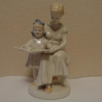 Статуэтка, чтение, мама с дочкой, Полонное ЗХК, СССР