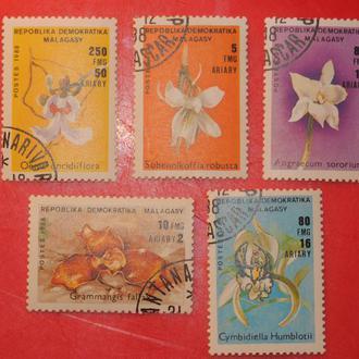 марки Цветы 1988 г Мадагаскар