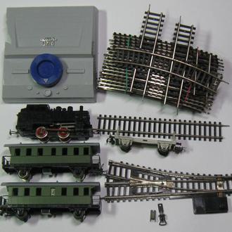Железная дорога PIKO ГДР паровоз, 2 вагона, платформа, стрелка, рельсы, пульт управления