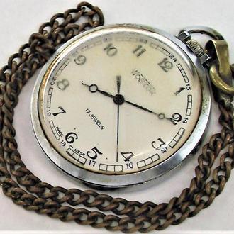 Часы Восток СССР рабочие с цепочкой длина цепи 27 см.
