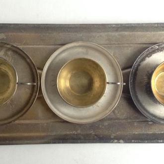 Чашки кофейные с блюдцами на подносе. Мельхиор.