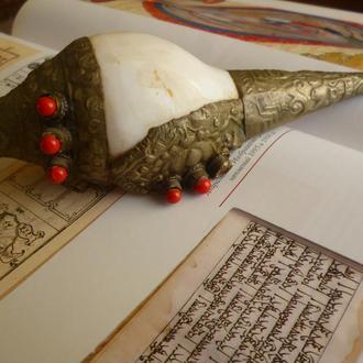 Дункар. Буддийский ритуальный предмет.