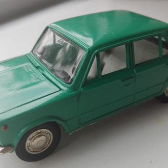 1/43 ВАЗ-2101 номерная А9. Саратов 1980-е года. РАРИТЕТ.