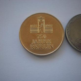 Жетон. Німеччина. ГДР. 750 років місту Берлін. Дуже РІДКІСНИЙ жетон.
