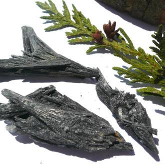Кианит черный минерал 12.8 грамм - 3 шт