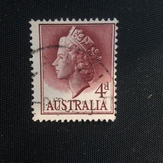 Марка (Австралия) 1957год Королева Елезовета 2